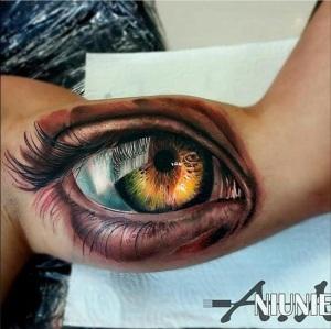 Realistic-Eye