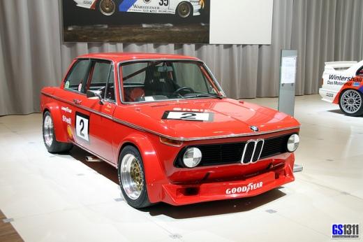 1968-1975-BMW-2002-E10