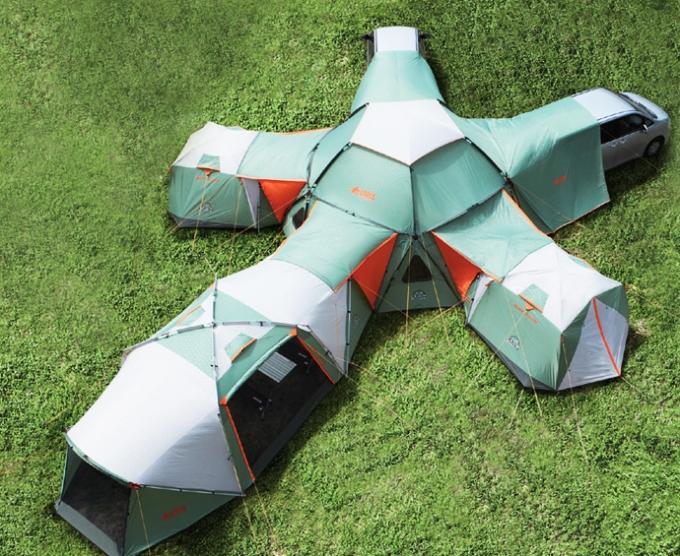 massive-tent-3