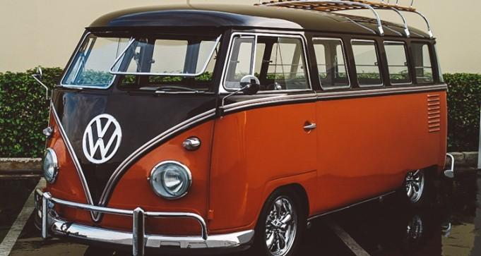 6_Volkswagen-Electric-Hippie-Van-750x400