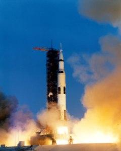 Apollo_13_liftoff-KSC-70PC-160HR
