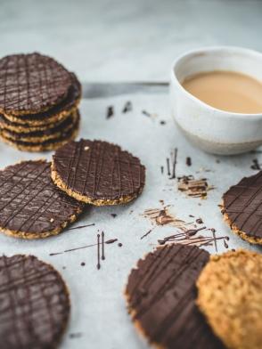 DIY-Chocolate-HobNob-Biscuits-18
