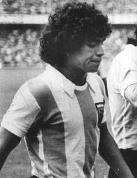 diego-maradona-1977