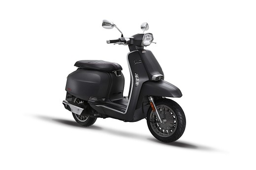 this-is-lambrettas-new-2018-v-special-scooter_4